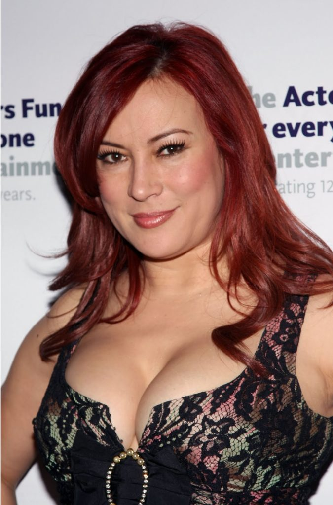 Jennifer-Tilly-Hair-Style-Pictures