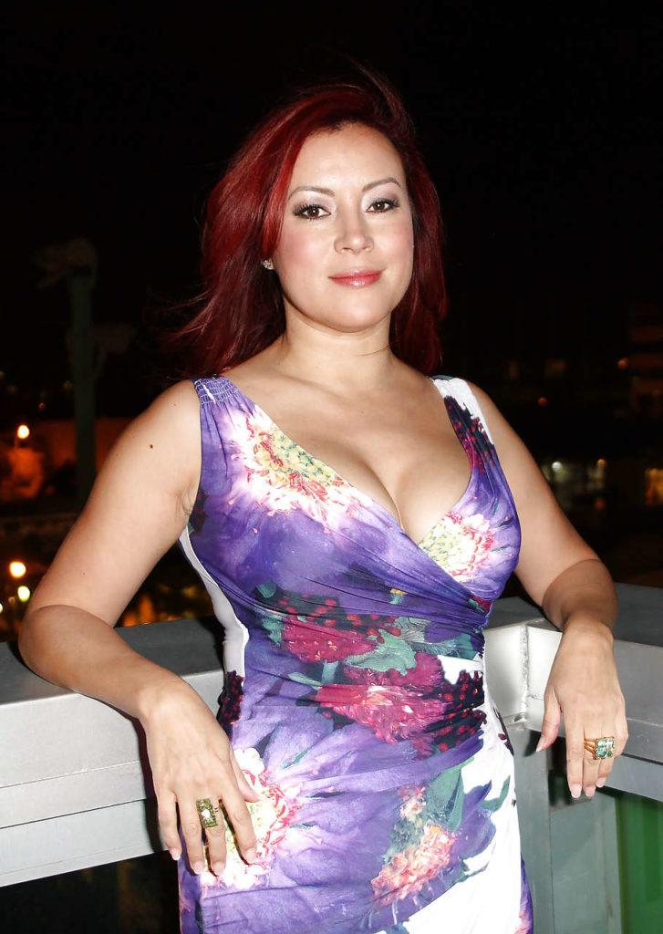 Jennifer-Tilly-Hot-Body-Images