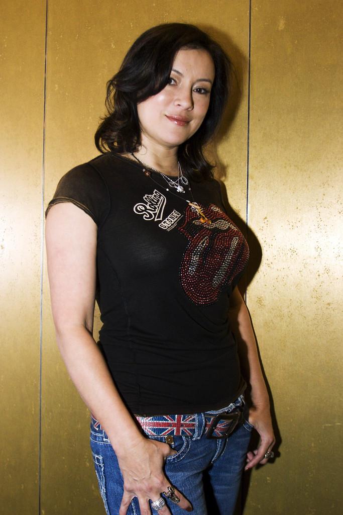 Jennifer-Tilly-Jeans-Wallpapers