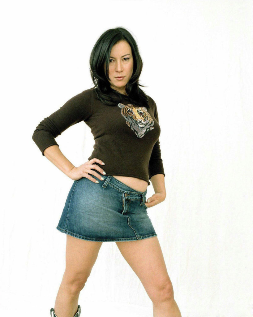 Jennifer-Tilly-Yoga-Pants-Pictures