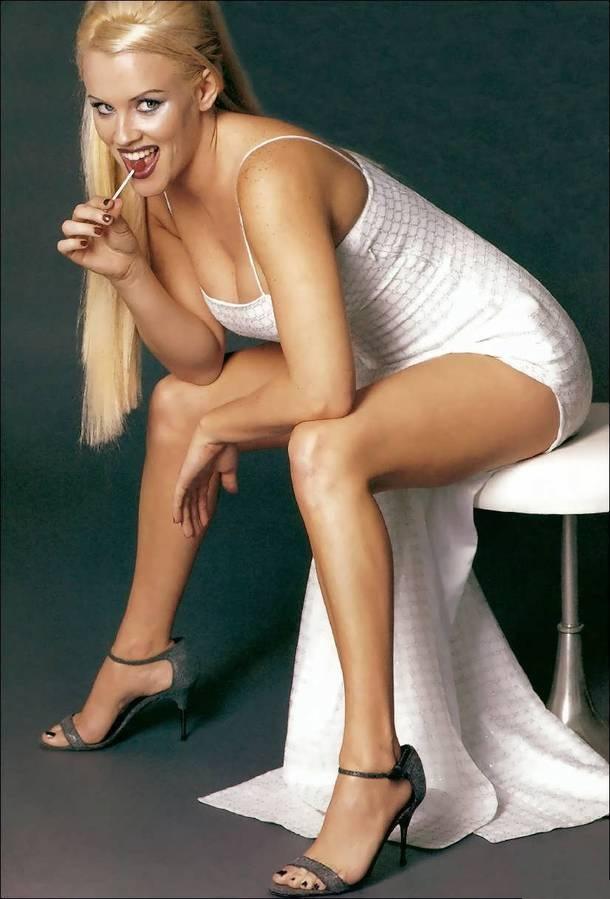 Jenny-McCarthy-Bikini-Images