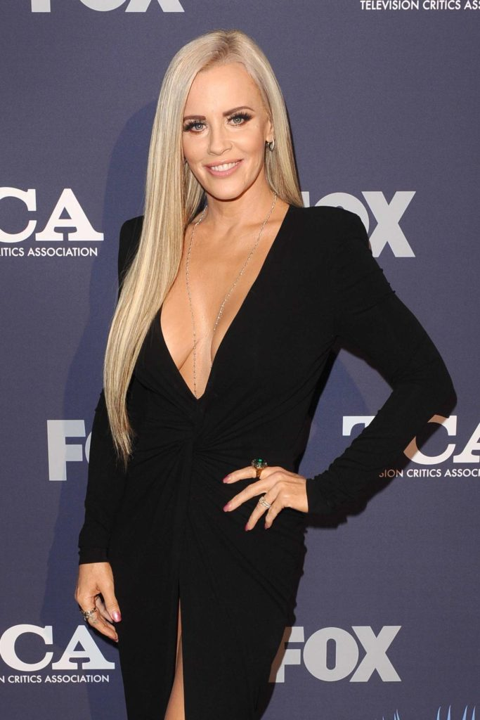 Jenny-McCarthy-Braless-Images