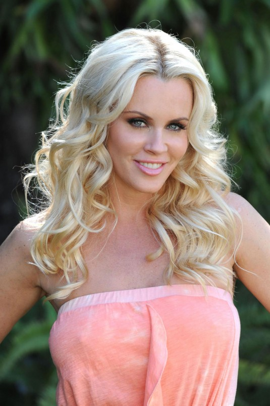 Jenny-McCarthy-Muscles-Images
