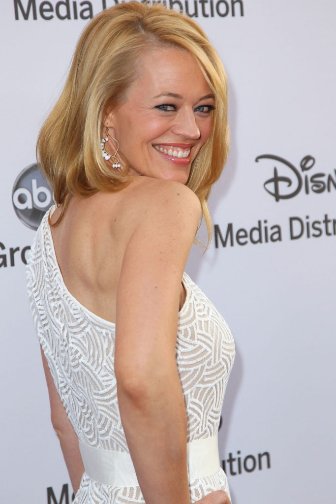 Jeri-Ryan-Backless-Pictures