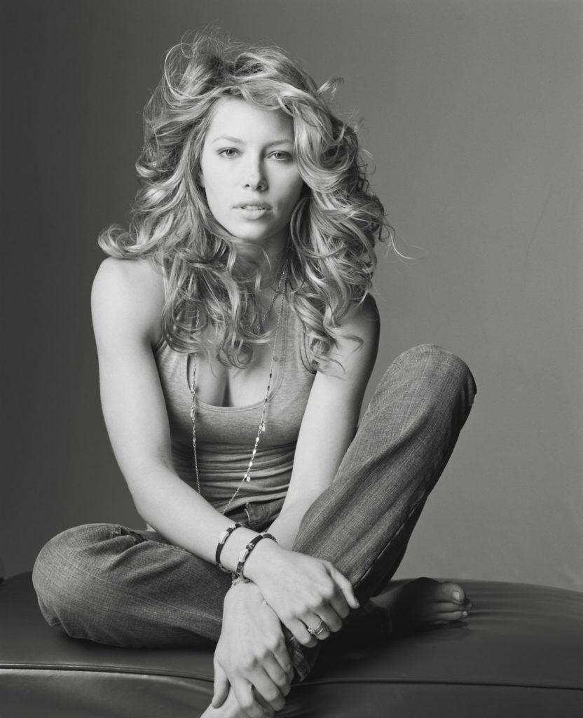Jessica-Biel-Bold-Pictures