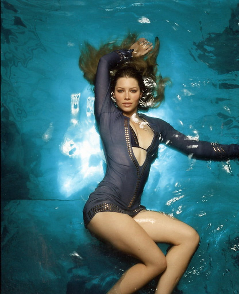 Jessica-Biel-Swimsuit-Photos