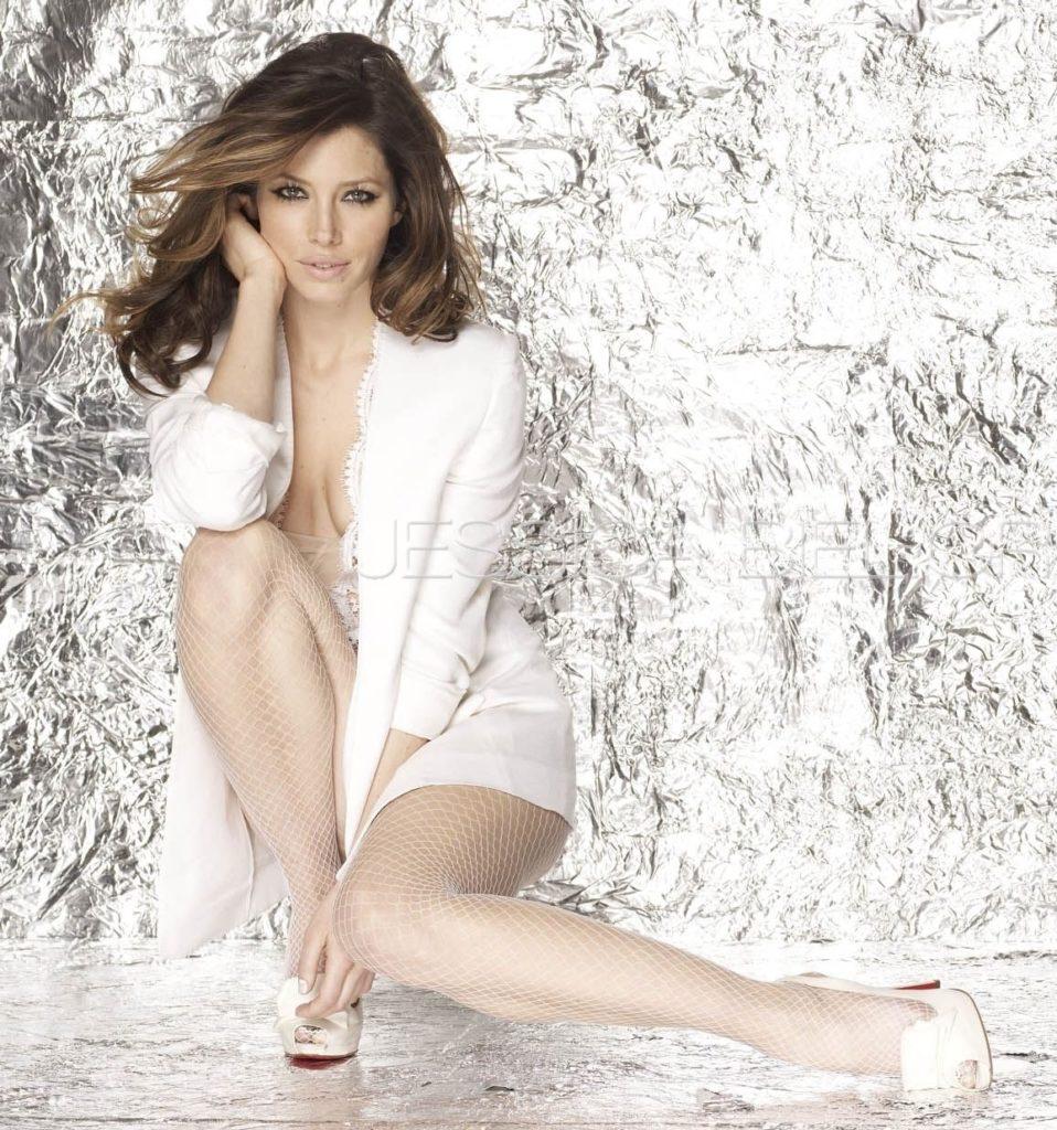 Jessica-Biel-Upskirt-Images