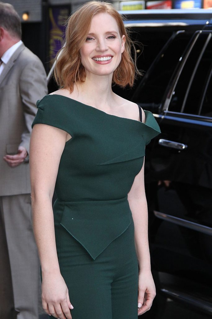 Jessica-Chastain-Gown-Photos