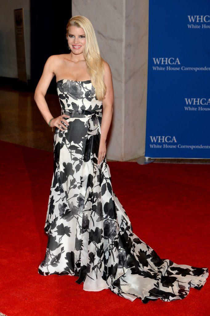 Jessica-Simpson-Gown-Photos