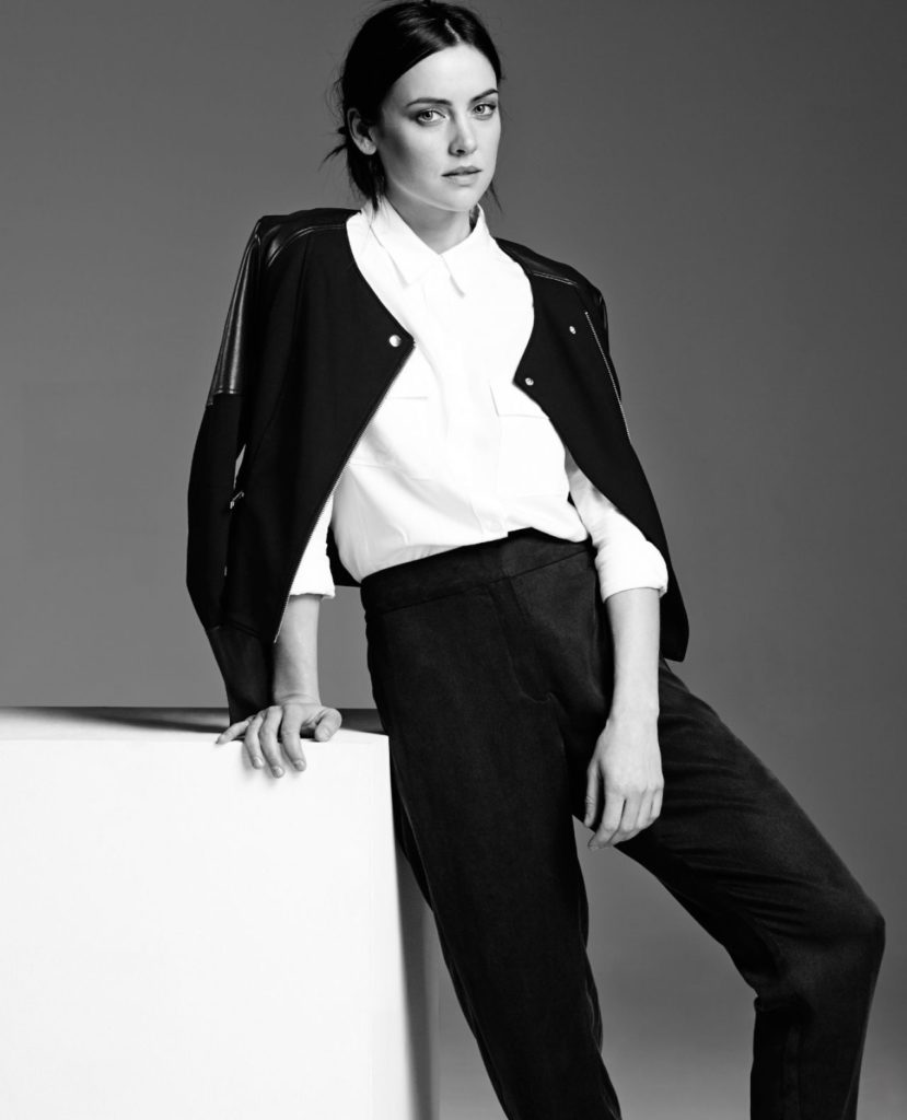 Jessica-Stroup-Leggings-Images
