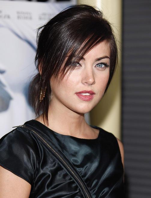 Jessica-Stroup-Sexy-Eyes-Photos