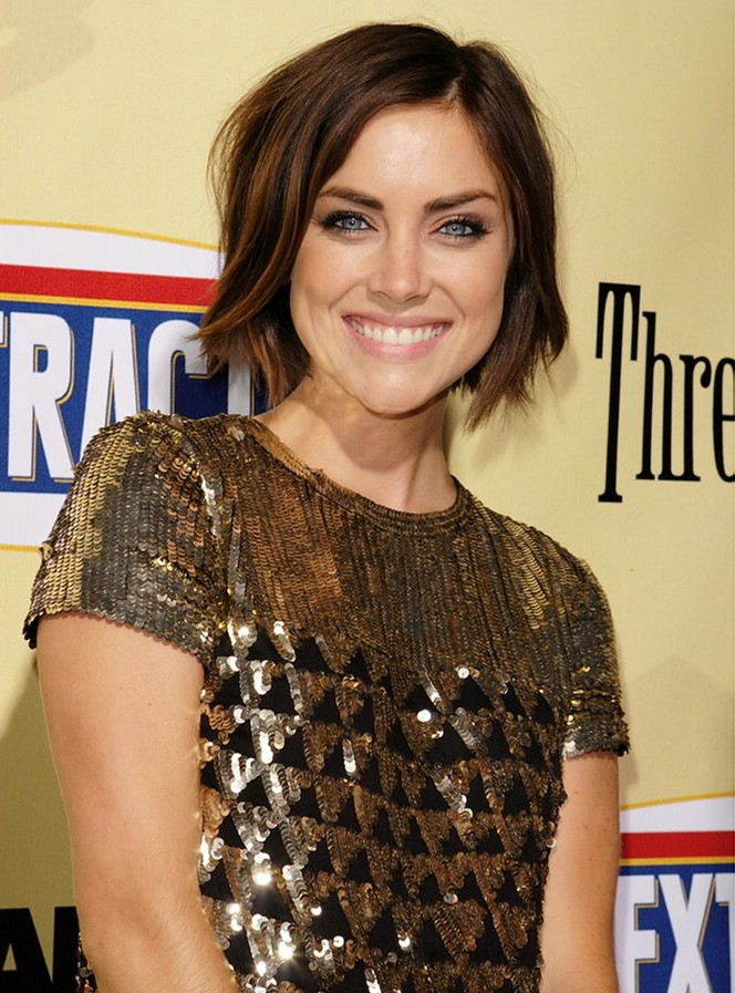 Jessica-Stroup-Sexy-Smile-images