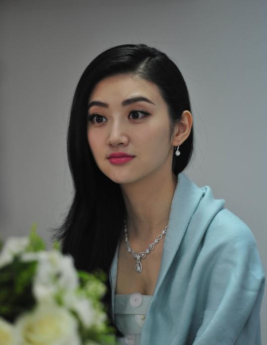 Jing-Tian-Sexy-Eyes-Pictures