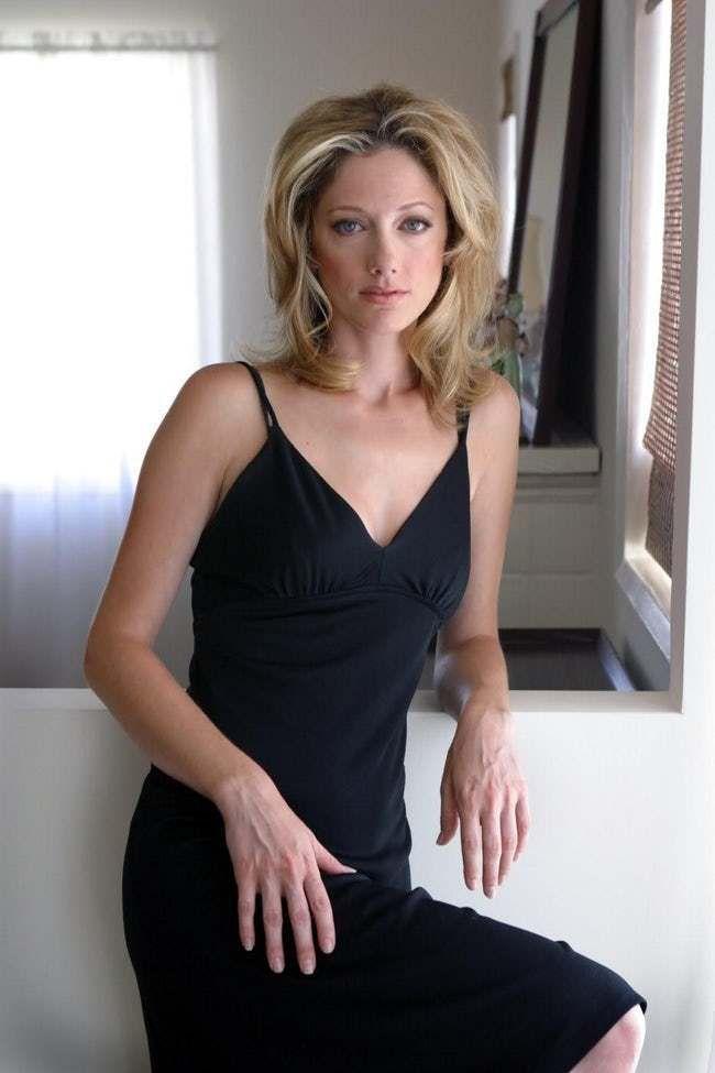 Judy-Greer-Shorts-Images