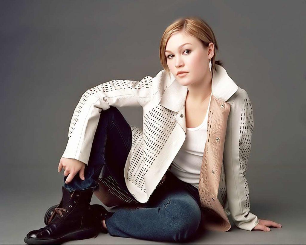 Julia-Stiles-Jeans-Pictures
