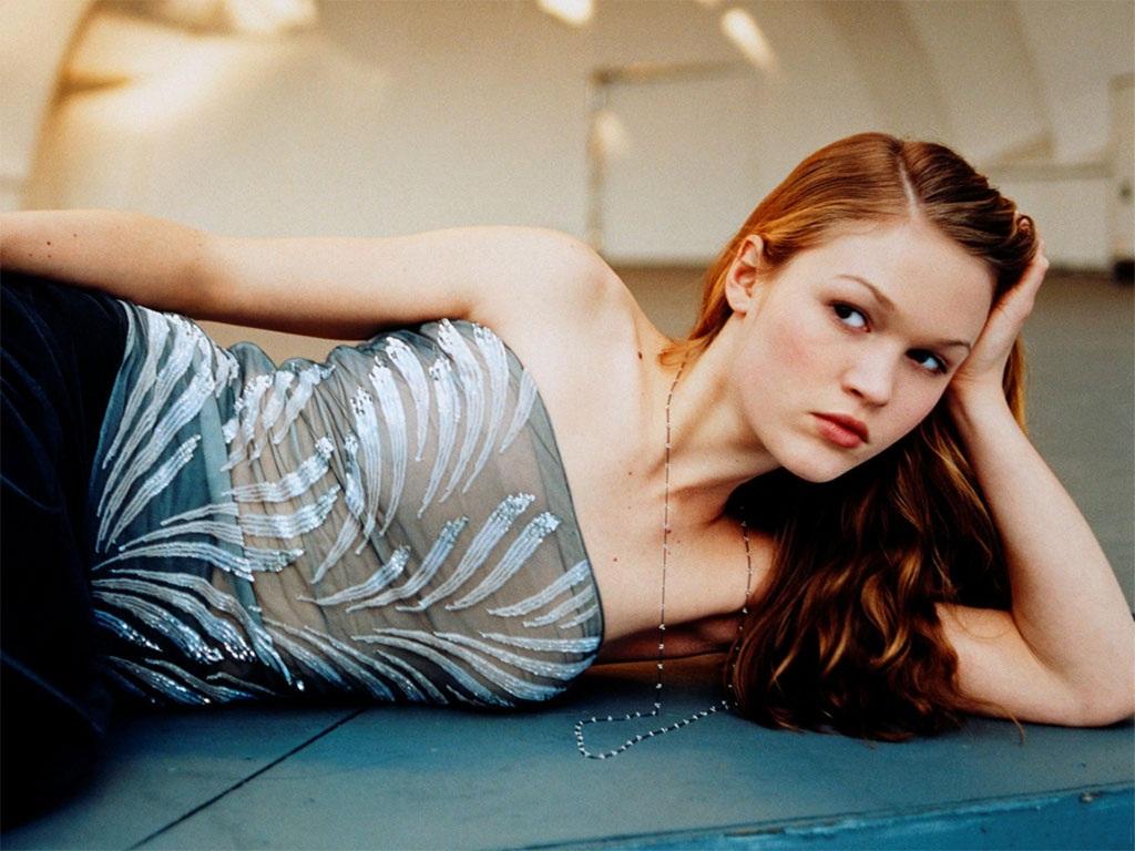 Julia-Stiles-Sexy-Pictures
