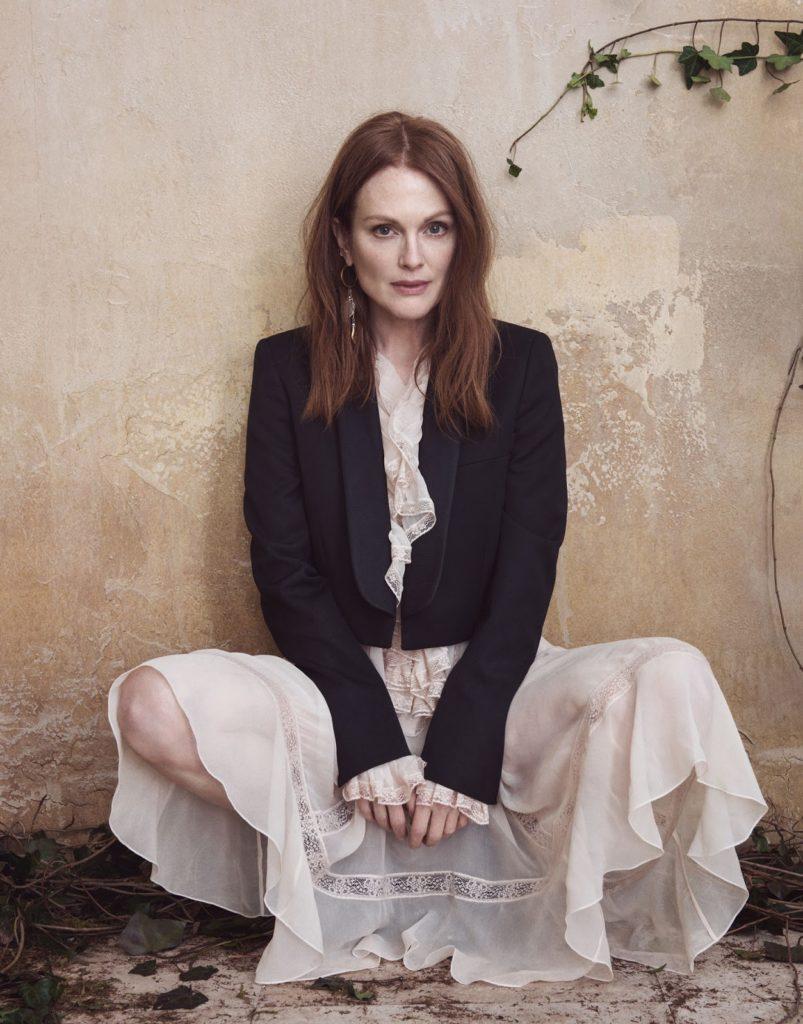Julianne-Moore-Lingerie-Images
