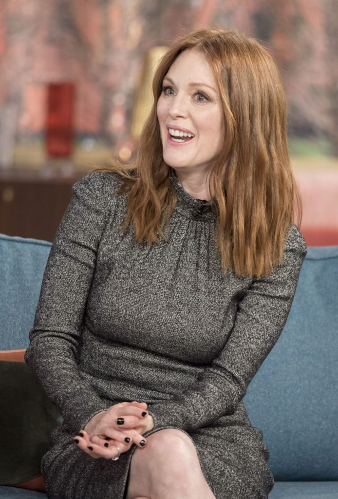 Julianne-Moore-Thighs-Photos