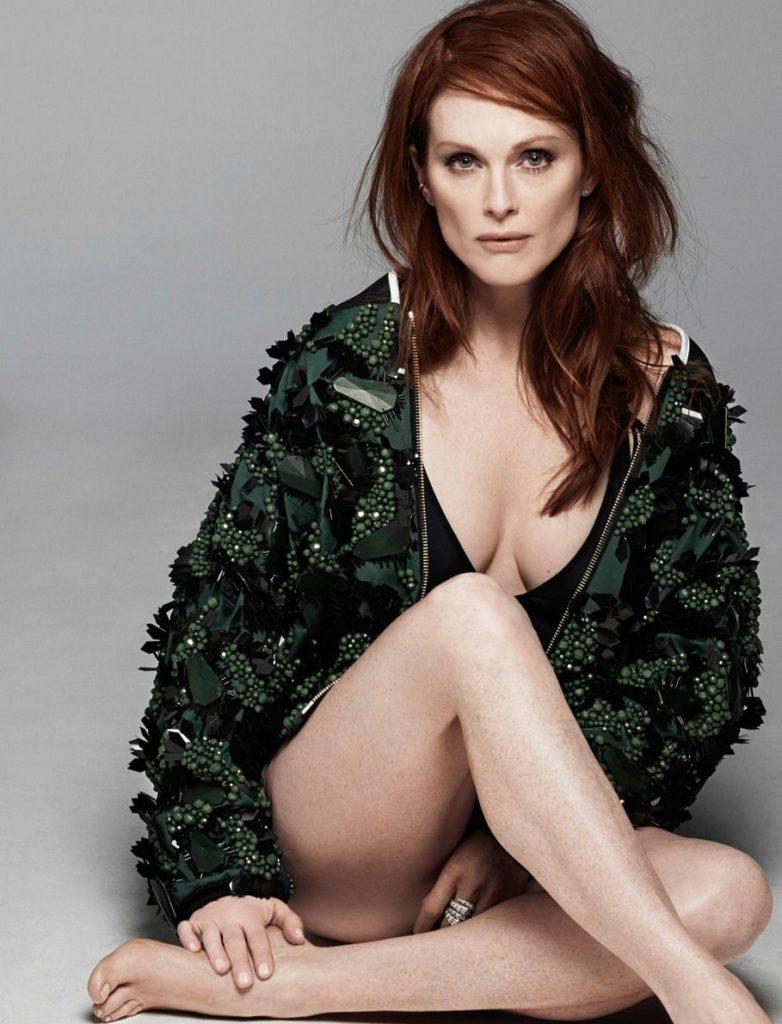 Julianne-Moore-Undergarments-Photos