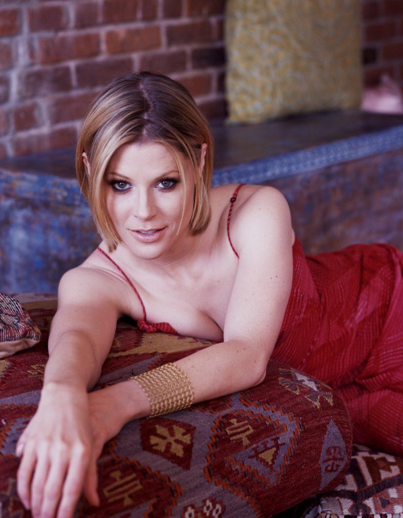 Julie-Bowen-Armpits-Images